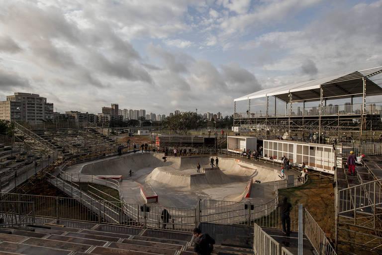 Preparativos na pista do parque Cândido Portinari, onde será realizado o Mundial da modalidade park