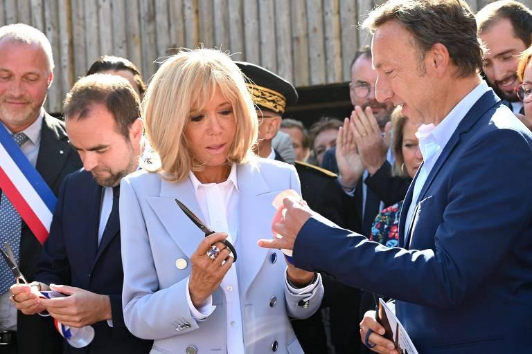 A primeira-dama francesa Brigitte Macron durante a inauguração de um centro dedicado ao estudo de história medieval