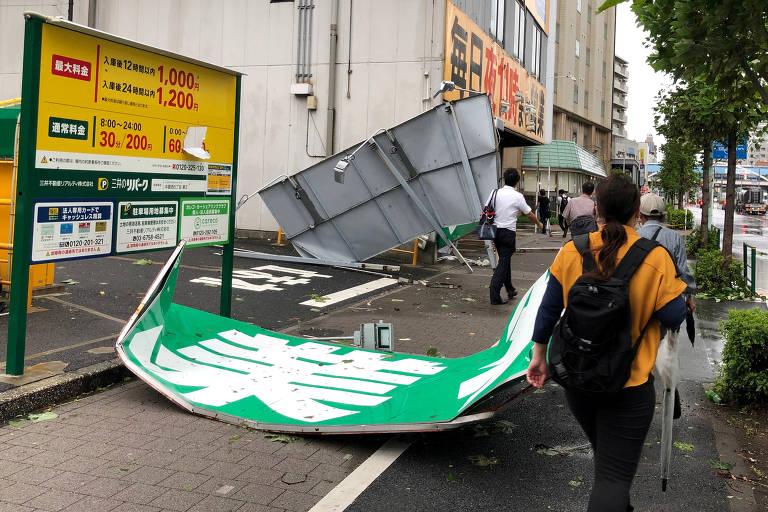Forte tufão atinge região metropolitana de Tóquio