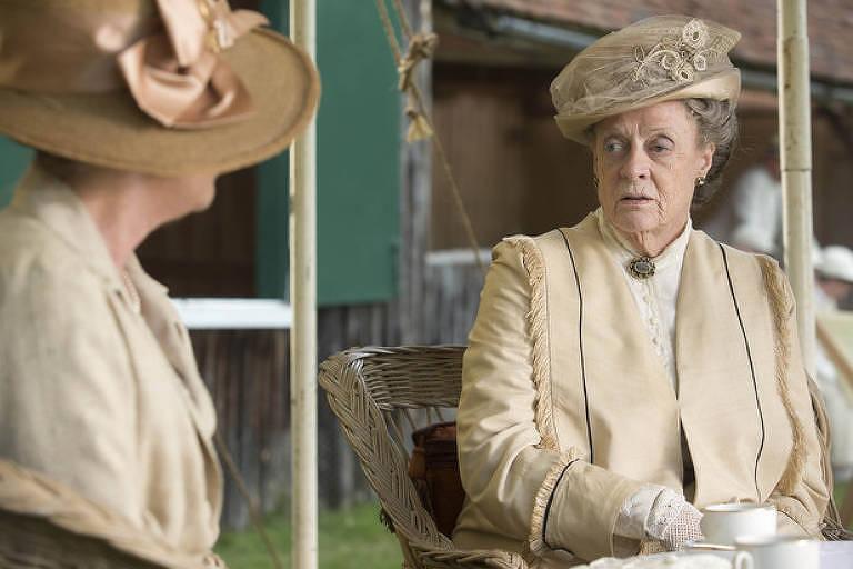 Maggie Smith em cena da série 'Downton Abbey'