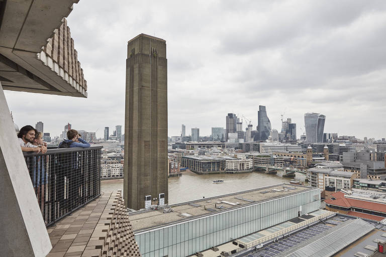 FILE -- The view from the 10th-floor terrace of the Blavatnik Building at the Tate Modern gallery in London, June 22, 2017. A 6-year-old boy who was thrown from a balcony at the Tate Modern museum in London last month, suffering fractures and bleeding on the brain, is making ?amazing progress,? his family says. (Andy Haslam/The New York Times)