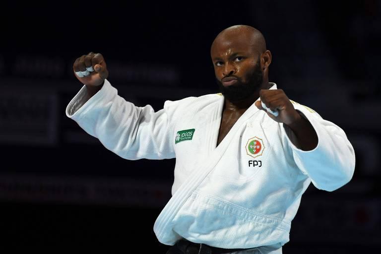Jorge Fonseca comemora medalha de ouro na categoria 100 kg do Mundial de judô