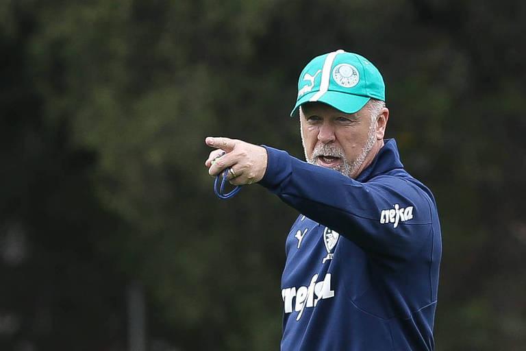 Em setembro de 2019, Mano Menezes fechou contrato com o Palmeiras; durou pouco, sendo demitido no início de dezembro