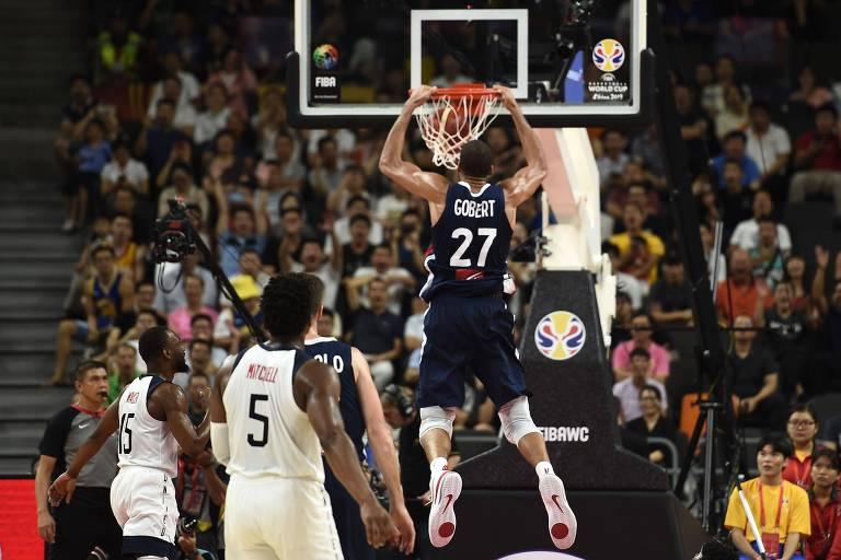França elimina Estados Unidos do Mundial de basquete