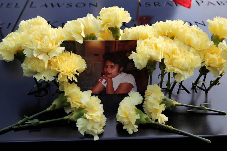 Foto de uma das vítimas dos atentados de 11 de setembro de 2002 em Nova York; cerimônias relembram episódio, que completa 18 anos