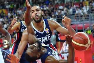 (SP)CHINA-DONGGUAN-BASKETBALL-FIBA WORLD CUP-QUARTERFINAL-USA VS FRA(CN)