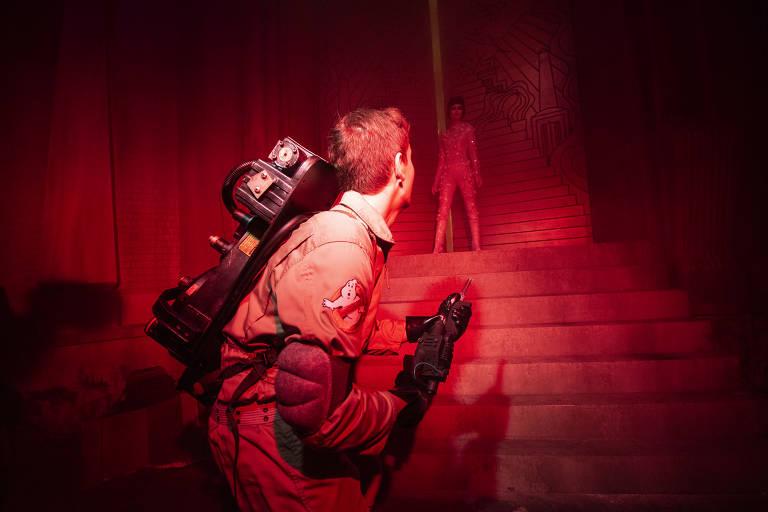 """Cenário da casa mal-assombrada inspirada no filme """"Os Caça-Fantasmas"""", de 1984, uma das atrações do Halloween Horror Nights, da Universal Studios, em Orlando (EUA)"""