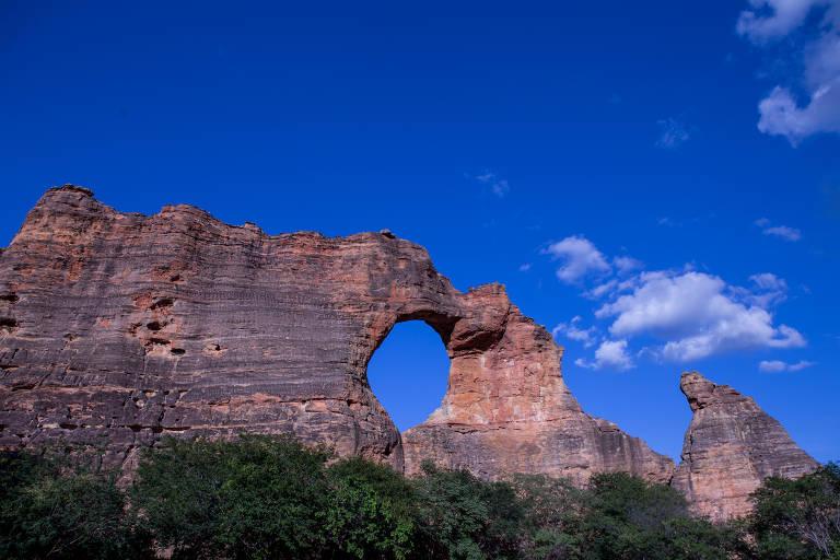 Boqueirão da Pedra Furada, formação rochosa símbolo do Parque Nacional da Serra da Capivara, no sul do Piauí