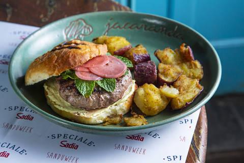 Jaca Burger (R$ 56) é o sanduíche criado pelo restaurante Jacarandá para a Sanduweek 2019