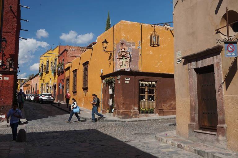 Vielas coloridas no centro histórico de San Miguel de Allende, no estado de Guanajuato