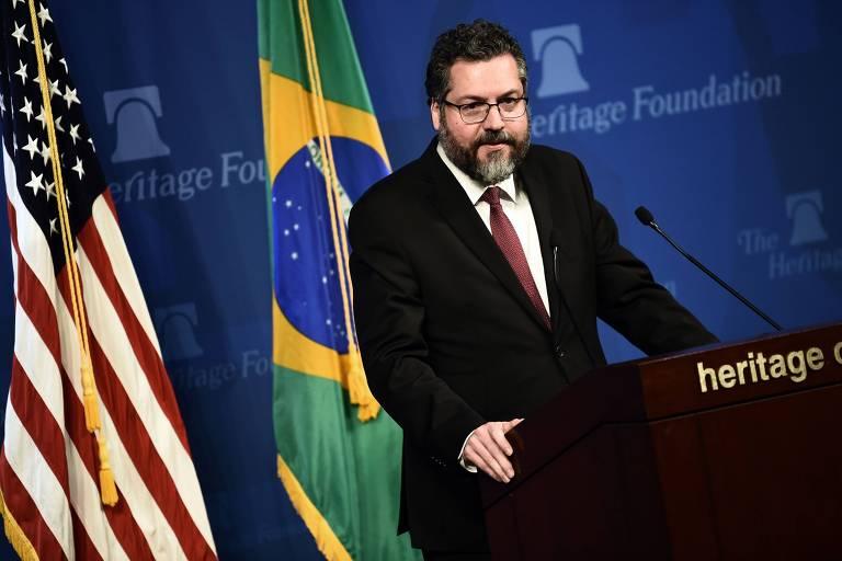 O chanceler Ernesto Araújo discursa