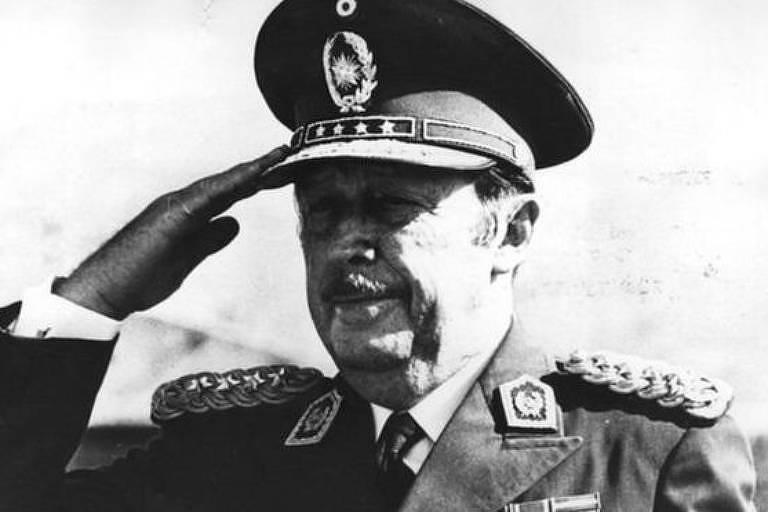 Stroessner governou o Paraguai com mão de ferro entre 1954 e 1989