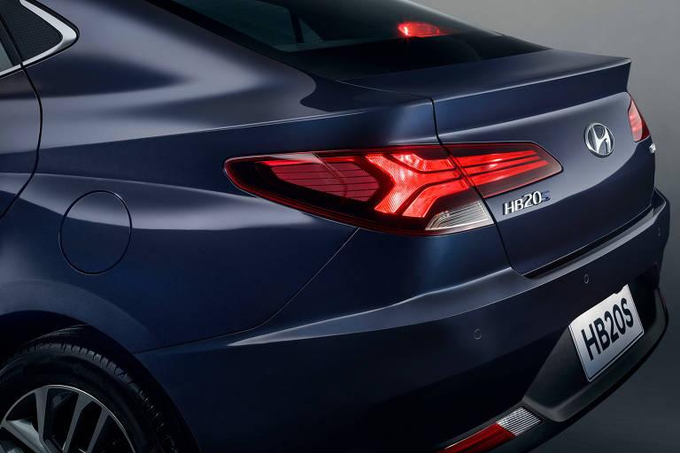 Hyundai mostra a traseira do novo HB20S
