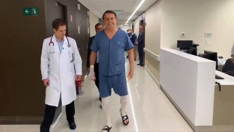 Bolsonaro se recupera de cirurgia para correção de hérnia no abdômen