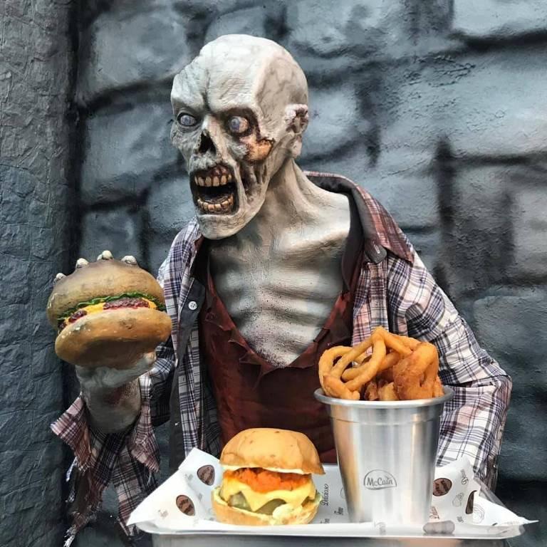 Sanduíches servidos na Zombie Burger, hamburgueria temática em São Bernardo do Campo