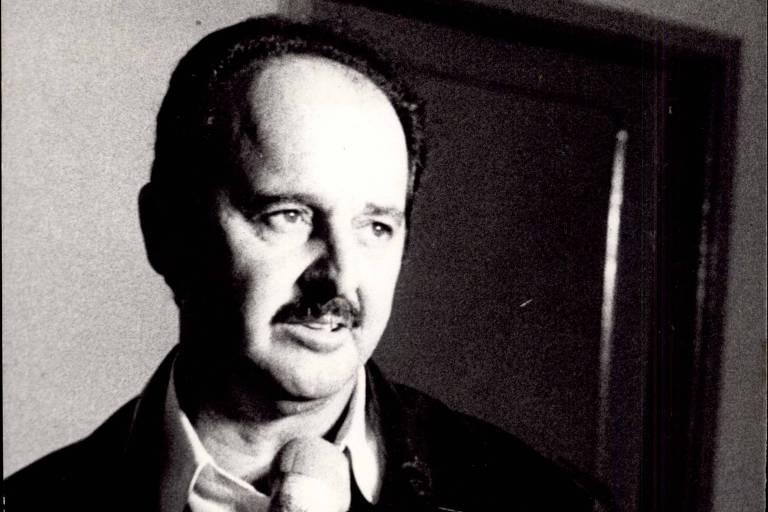 Rubens Minelli dá entrevista como técnico do Palmeiras, em 1982