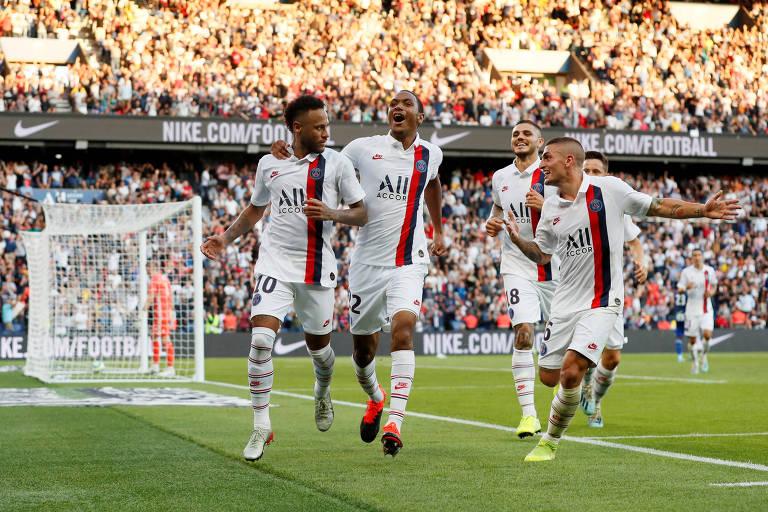 Neymar comemora o gol que deu a vitória do PSG nos acréscimos
