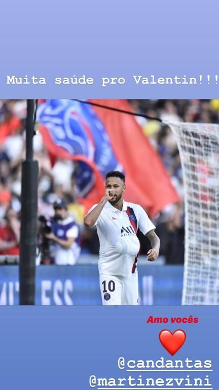 Neymar homenageia Carol Dantas durante jogo do PSG