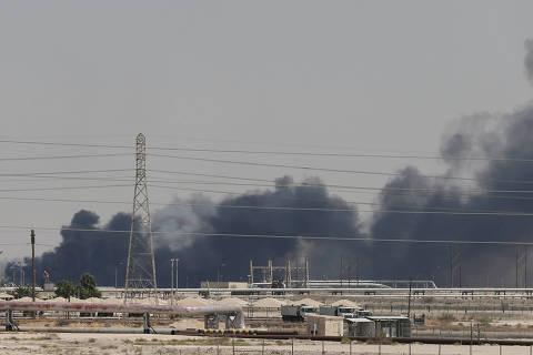 Petróleo sobe quase 20% após ataques de drone contra instalações sauditas