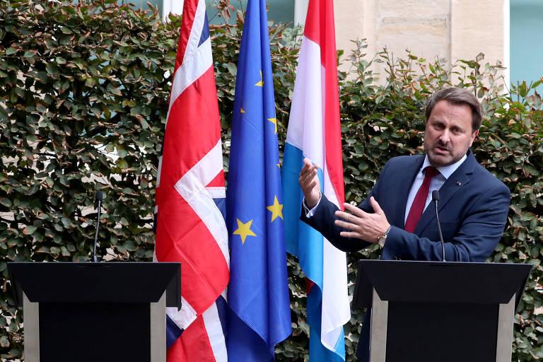 O primeiro-ministro de Luxemburgo, Xavier Bettel, durante entrevista coletiva a qual o premiê britânico, Boris Johnson, não compareceu