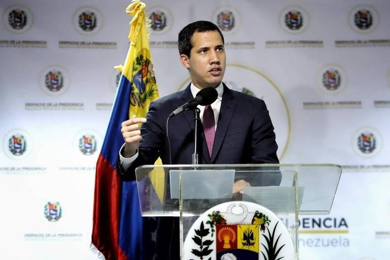 O líder da oposição da Venezuela, Juan Guaidó, durante a entrevista coletiva em Caracas
