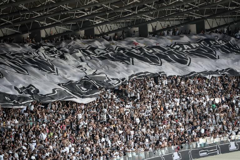 Atlético-MG estuda vetar torcedor racista de ir a jogos do clube