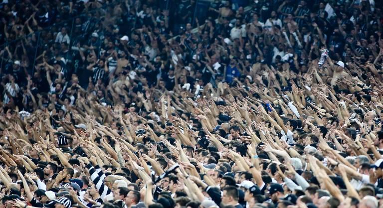 O Corinthians é o time paulista de maior torcida e fica com a segunda posição no total, com 14% da população a seu favor