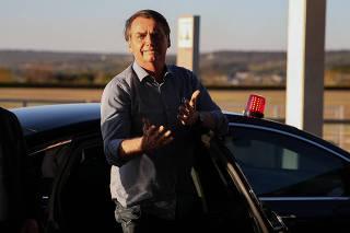 Jair Bolsonaro chega ao Palácio da Alvorada, após alta hospitalar