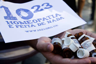 Protesto contra homeopatia