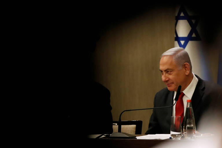 O primeiro-ministro israelense, Binyamin Netanyahu, durante discurso para jornalistas em Jerusalém