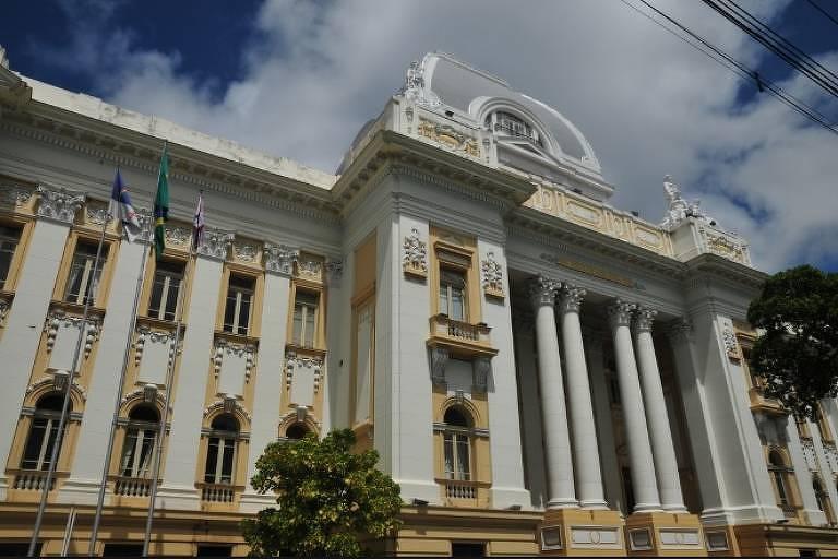 Fachada da sede do Tribunal de Justiça de Pernambuco, no Recife