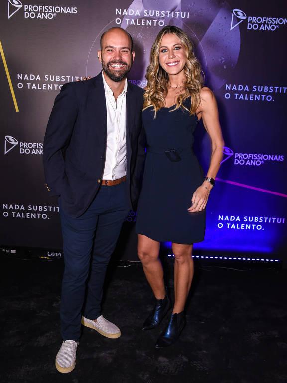 Lucas Gutierrez e Bárbara Coelho na premiação dos Profissionais do Ano 2019