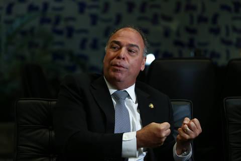 PF mira líder do governo Bolsonaro no Senado e faz buscas no Congresso