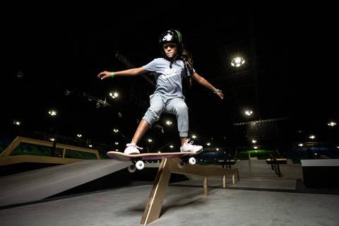 SÃO PAULO, SP, BRASIL, 18-09-2019: Retrato da Rayssa Leal, skatista de 11 anos que deve representar o Brasil na Olimpíada de Tóquio, na pista do Word Championshio no Pavilhão de exposições de Anhembi. (Foto: Bruno Santos/ Folhapress) *** FSP-ESPORTE *** EXCLUSIVO FOLHA***