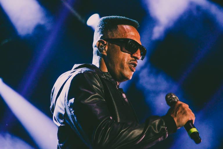 Mano Brown em show do Racionais MC's na turnê comemorativa de 30 anos, no ginásio Nilson Nelson, em Brasília