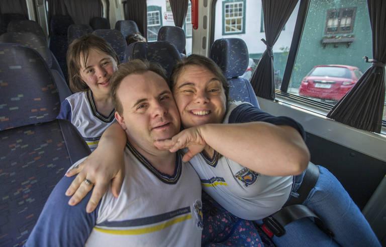 ONG Turma do Jiló ajuda escolas a abrir portas para alunos com deficiência