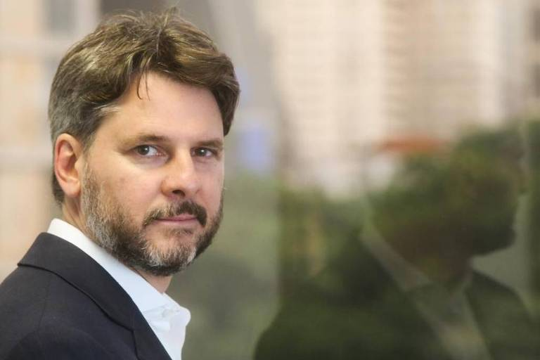 """Rodrigo R. Monteiro de Castro - Doutor em Direito (PUC-SP), professor de direito empresarial (Ibmec-SP) e coautor do livro """"Futebol, Mercado e Estado"""" (ed. Quartier Latin)"""
