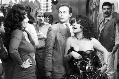 Televisão: os atores Yoná Magalhães, Claudio Cavalcanti, José Wilker, Regina Duarte eLima Duarte  em cena da novela