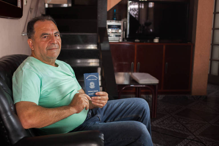 Carlos Coviello, 54 anos, tenta comprovar dez anos de trabalho com exposição a ruído acima de 91 decibéis e fez três pedidos de aposentadoria