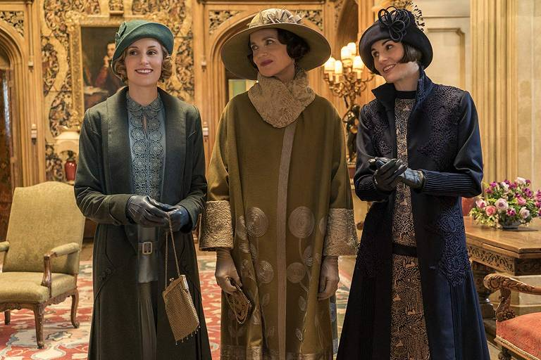 Laura Carmichael, Elizabeth McGovern e Michelle Dockery em 'Downton Abbey'