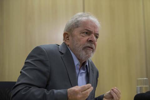 **ARQUIVO** CURITIBA, PR, 26.04.2019: O ex-presidente Lula (PT) concede entrevista exclusiva à Folha e ao jornal El País, em Curitiba. (Foto: Marlene Bergamo/Folhapress) ORG XMIT: AGEN1906251525657418