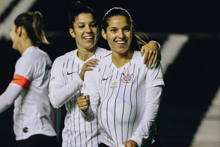 Milene comemora gol do Corinthians sobre o São José, pelo Brasileiro feminino