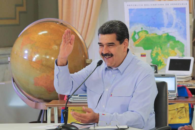 O ditador venezuelano, Nicolás Maduro, discursa no início do ano escolar no país