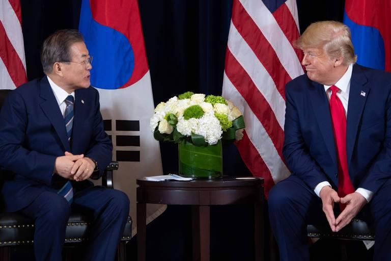Donald Trump em encontro com o presidente da Coreia do Sul, Moon Jae-in, na tarde desta segunda-feira (23)