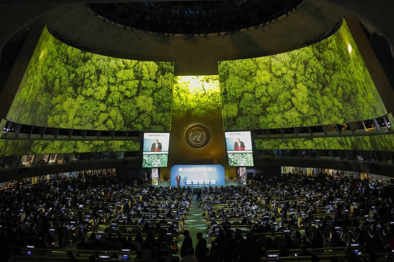 Secretário-geral da ONU, Antonio Guterres, discursa na cúpula do clima da ONU