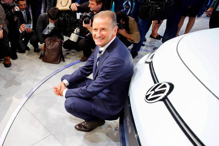 Herbert Diess, presidente-executivo da Volkswagen, na apresentação de carro elétrico no salão de automóveis de Frankfurt