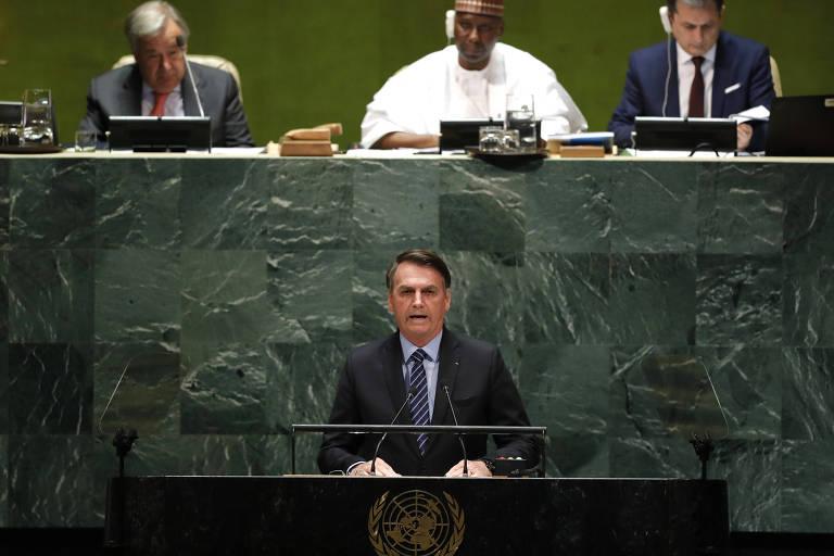 Jair Bolsonaro lê seu discurso na abertura da Assembleia Geral da ONU, em Nova York (EUA)