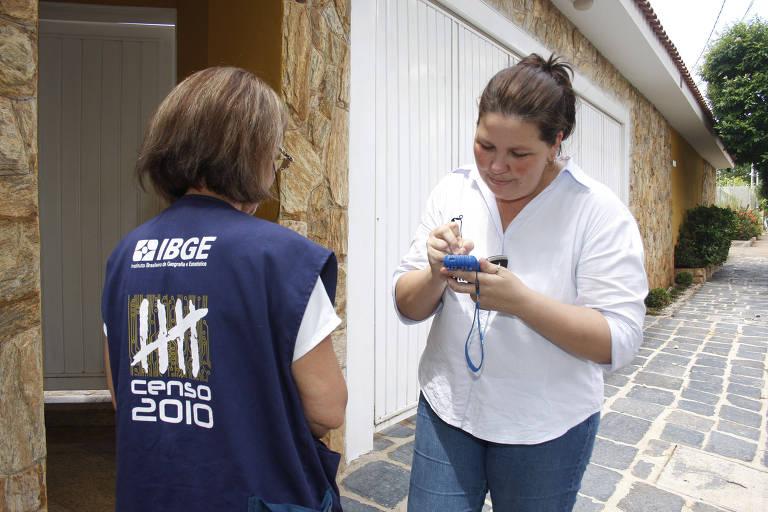 Recenseadora do IBGE, em 2010, durante a realização do censo nacional