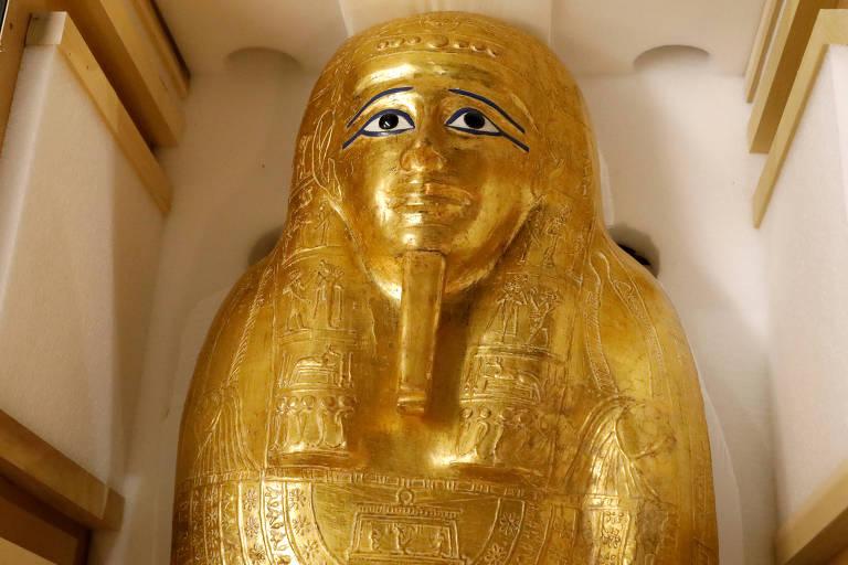 Estados Unidos devolvem ao Egito sarcófago roubado exibido no Met