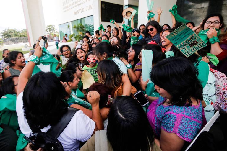 Mulheres celebram legalização do aborto no Estado de Oaxaca, no México